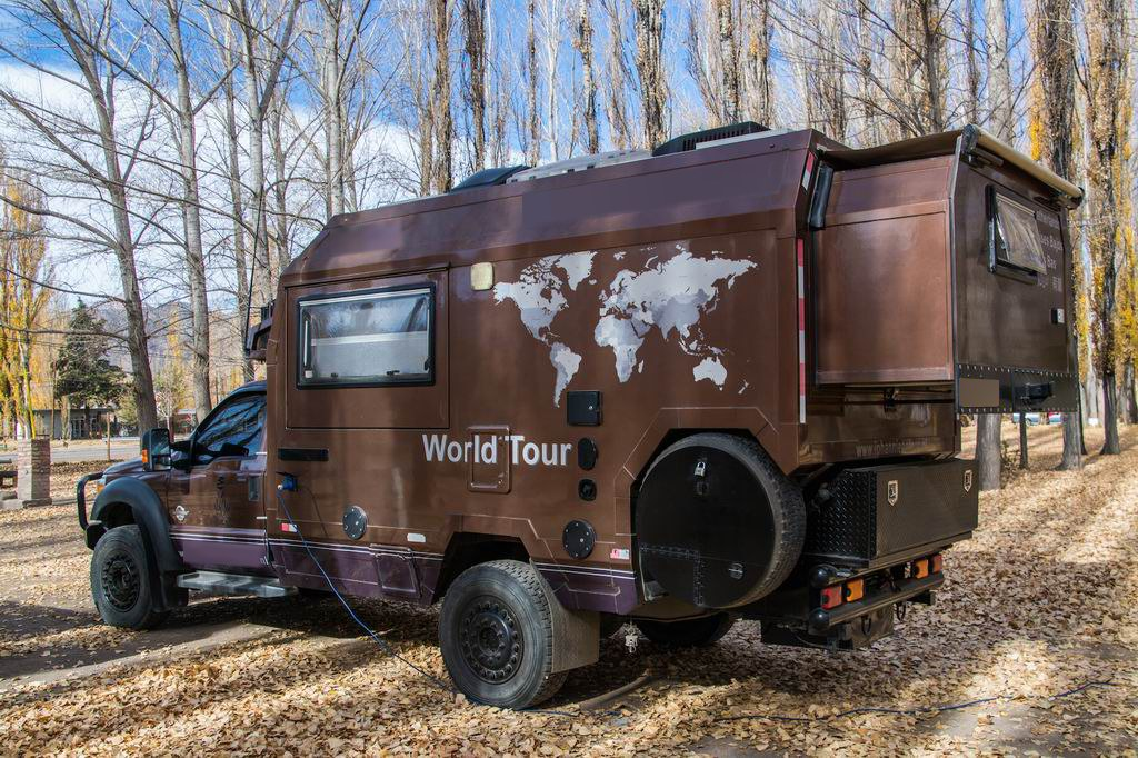 world tour ii the beast ford 550 global expedition vehicle. Black Bedroom Furniture Sets. Home Design Ideas