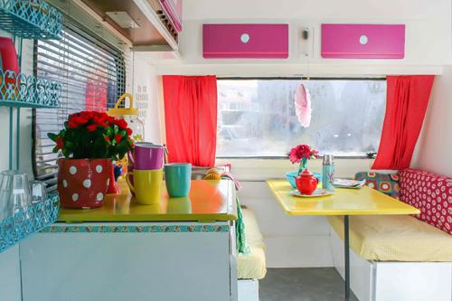 Interior+caravan