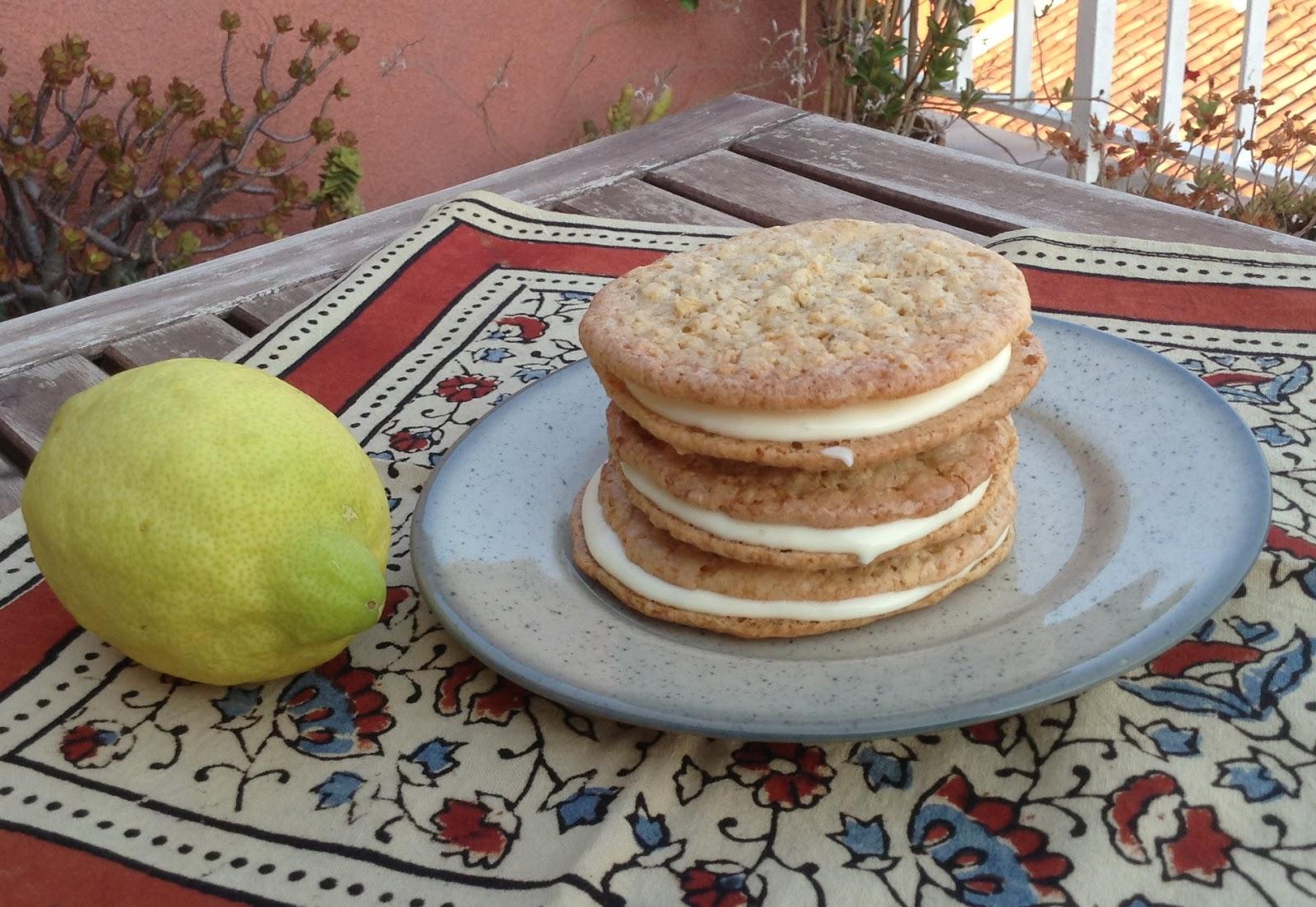 Galletas de avena con crema de limón