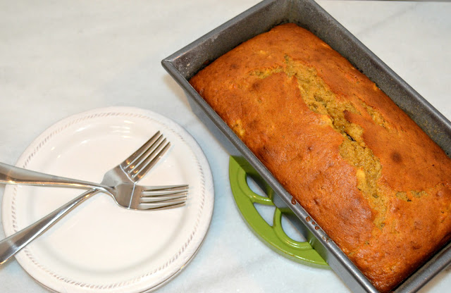 cinnamon-apple-banana-bread