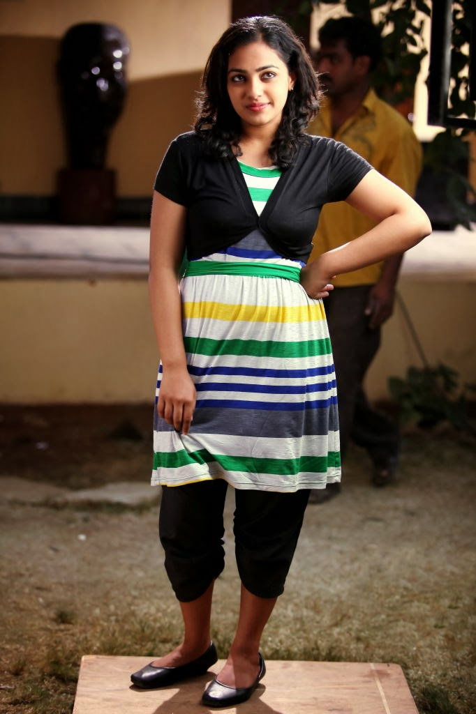 Saree hot photoshoot celebrity