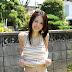 Rina Aizawa narsis di Taman