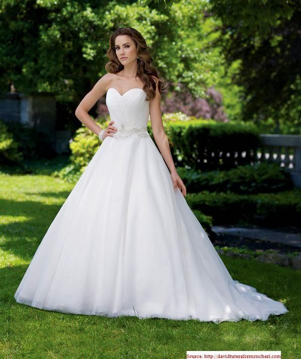 Modèle robe simple de mariée 2014