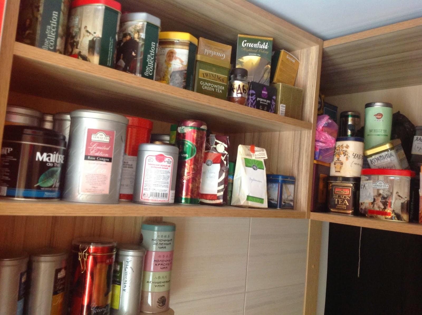 """Чайная трёхэтажная антресолька на моей кухне; секретное название """"чайный склад""""))"""