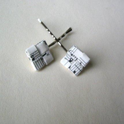 bisuteria hecha con filigrana de papel reciclado de revistas, si quieres saber la tecnica