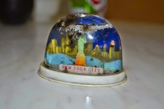 Փտած Նյու Յորքի կենդանի հիշատակը   The world's eyes