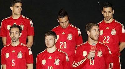 Spanyol Perkenalkan Kostum Baru