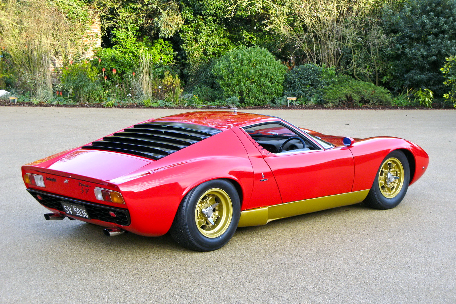... Miura Could Lose The Rear Window Slats. Oh... And Do The Wheels And  Rocker Panels In The Original Silver Instead Of The Gold Used On Later S  Versions.