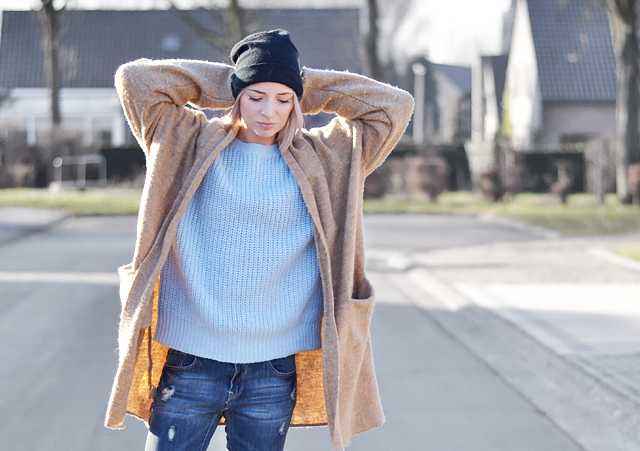 outfit, belgian blogger, fashion blogger, streetstyle, nelly hat, light blue, primark