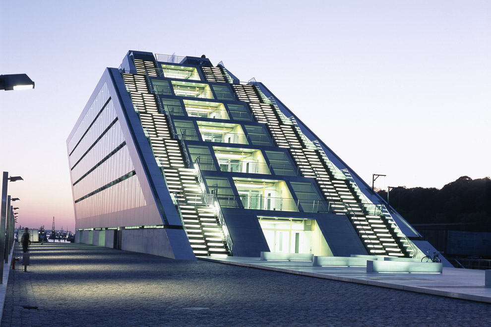 Design Ideas: Dockland Office Building | Van-der-Smissen-Straße ...