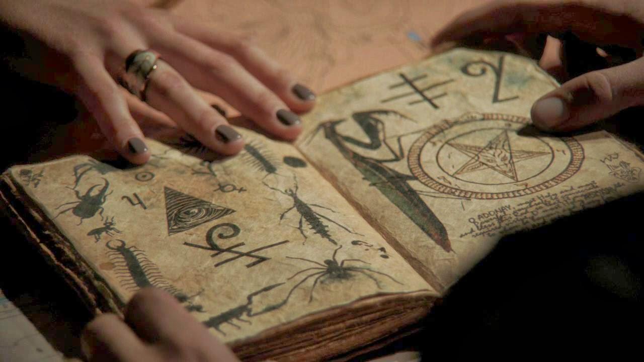 O Blog da Bruxa Teen: O livro das sombras