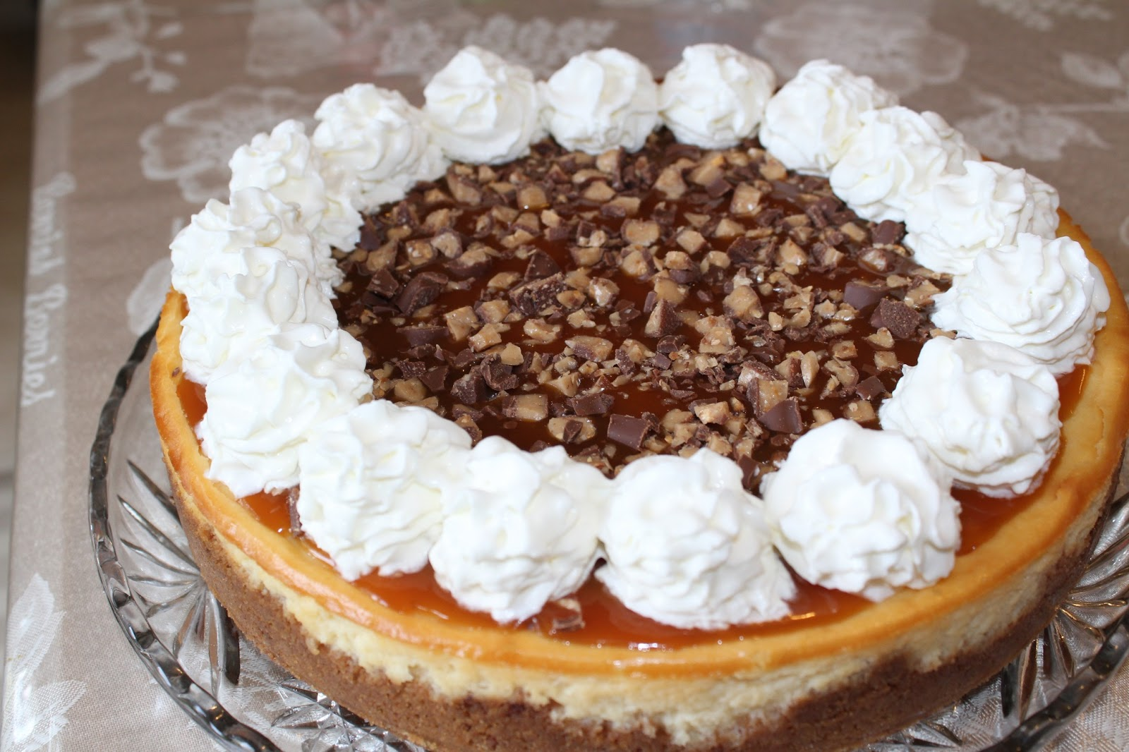 Blog as you Bake: Caramel Toffee Crunch Cheesecake