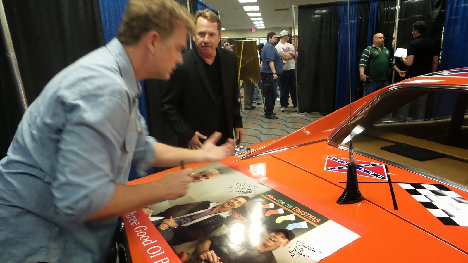 dukes of hazzard collector john schneider and tom wopat. Black Bedroom Furniture Sets. Home Design Ideas