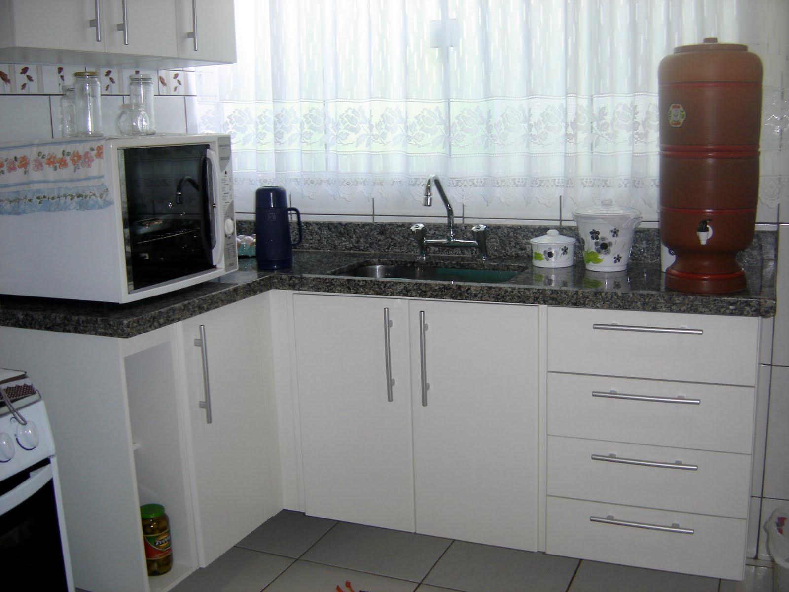 Uma cozinha bem planejada é um convite constante para a descoberta e  #60473C 1600 1200