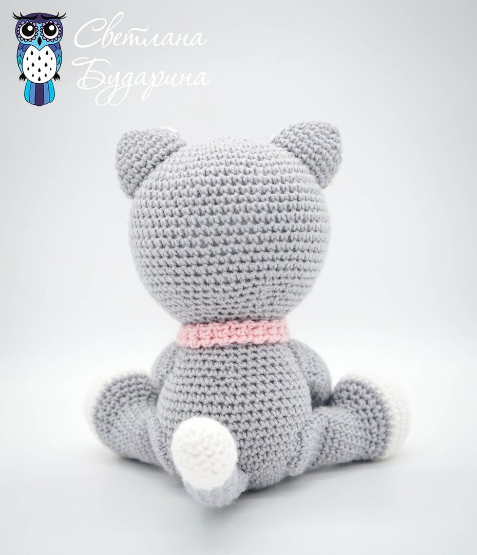 Amigurumi kitten crocheted