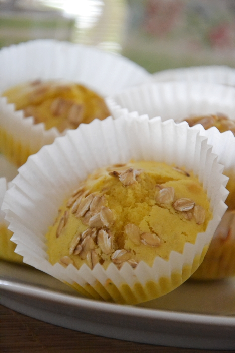 muffin all'arancia, mandorle e avena