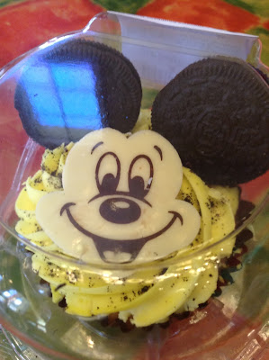 Mickey Mouse cupcake with oreo ears
