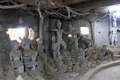 Dans la tour de potiron - Buddha Park Vientiane