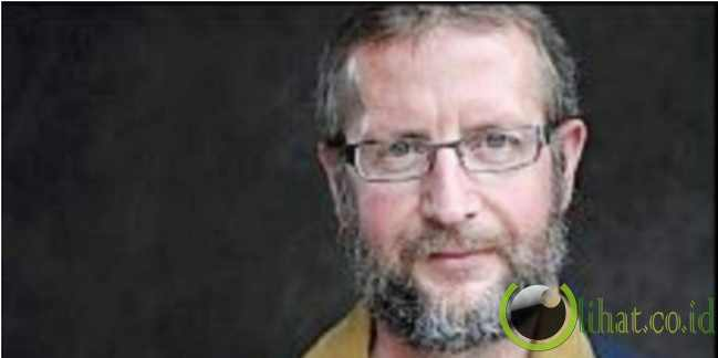 Daniel Streich, benci masjid namun kini bersujud