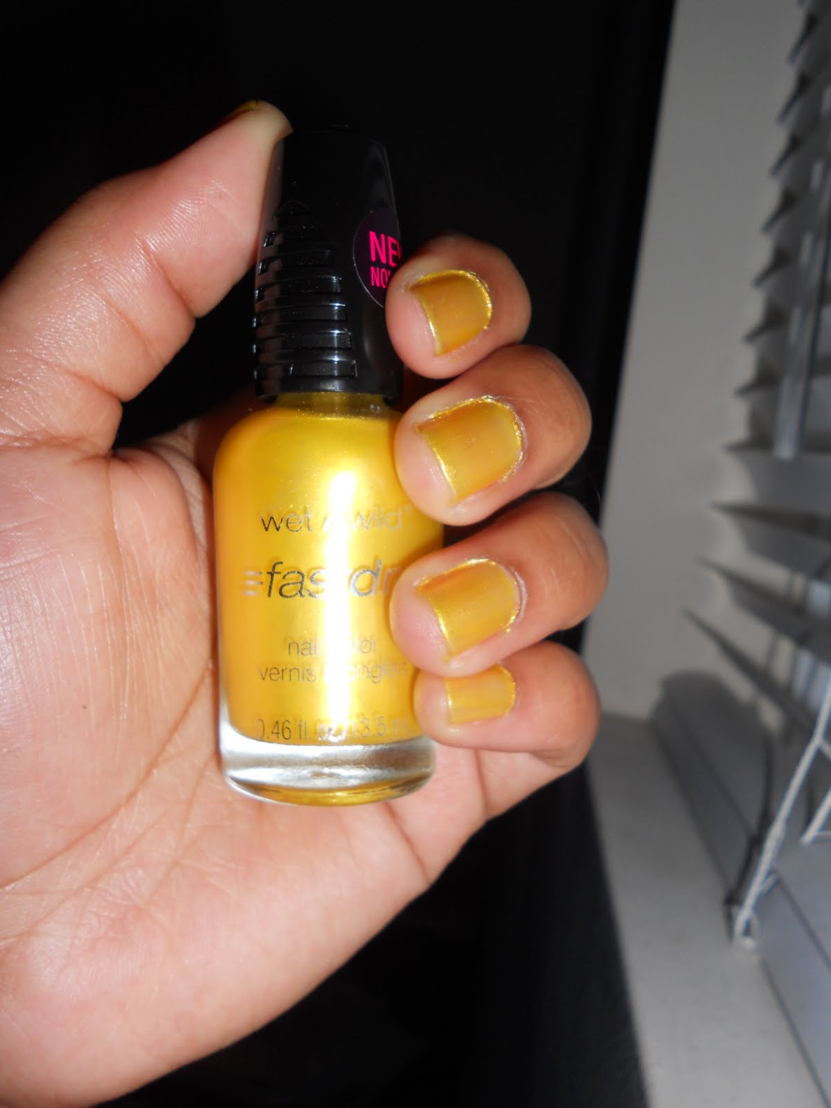 Polish and Paillettes: Free Zoya Nail Polish! And yellow might not ...