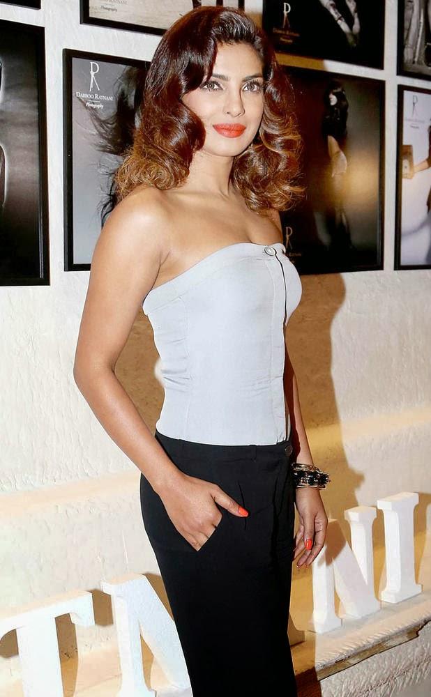 Priyanka Chopra at Dabboo Ratnani 2014 calendar launch