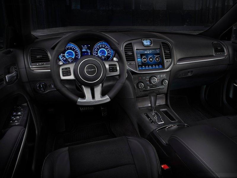 2013 chrysler 300c srt8 Interior Dashboard