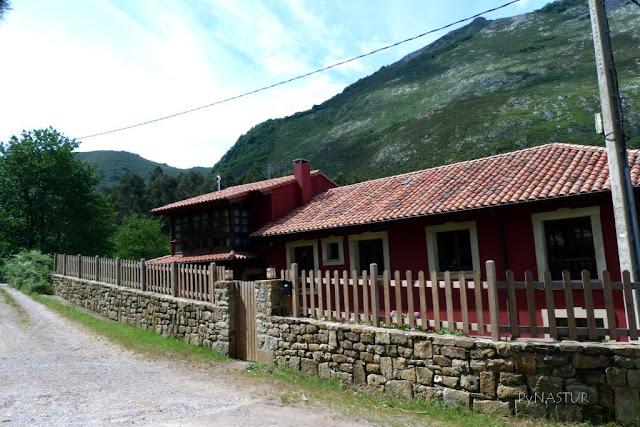 Casa Julia - Pie de Potru - Pico Pienzu por el Hayedo de la Biescona - Asturias