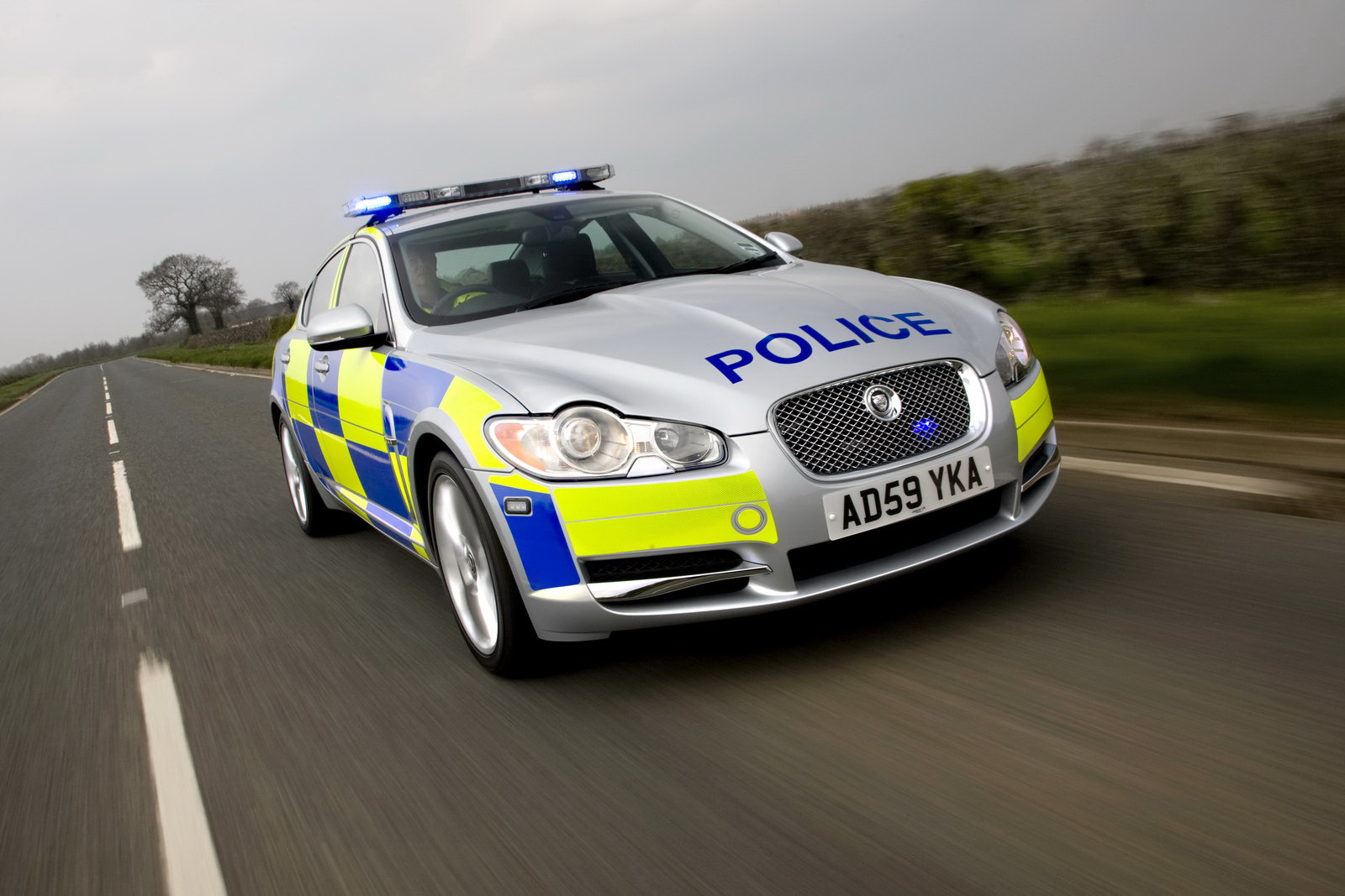 first jaguar xf police cars go on duty in the uk auto car. Black Bedroom Furniture Sets. Home Design Ideas