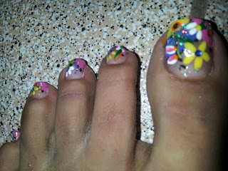 Este diseño de uñas decoradas son buenas para la primavera excelente ...
