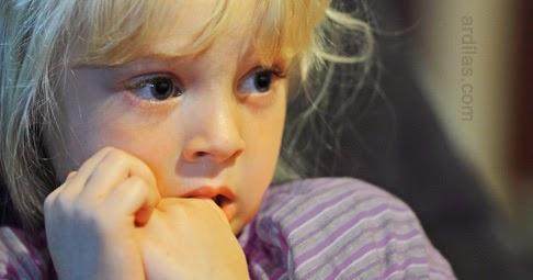 Menakuti Anak - Kebiasaan Buruk Orang Tua