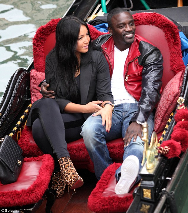 Hollywood: Akon With His Beautiful Girlfriend In These