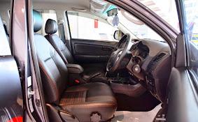 Interior Toyota Hilux TRD Sportivo 2015