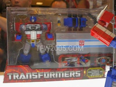 Optimus Prime Master Ver. 2 Piece Hasbro