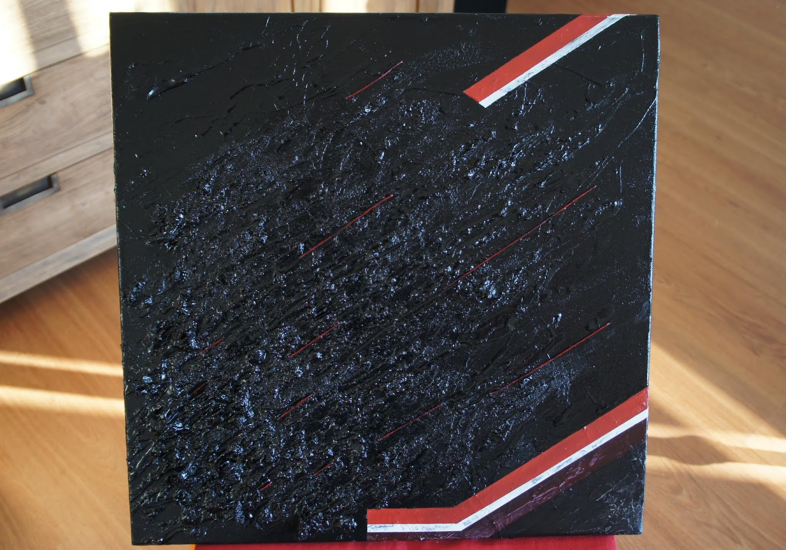 Traits rouge sur fond noir abstractions - Peinture avec relief ...