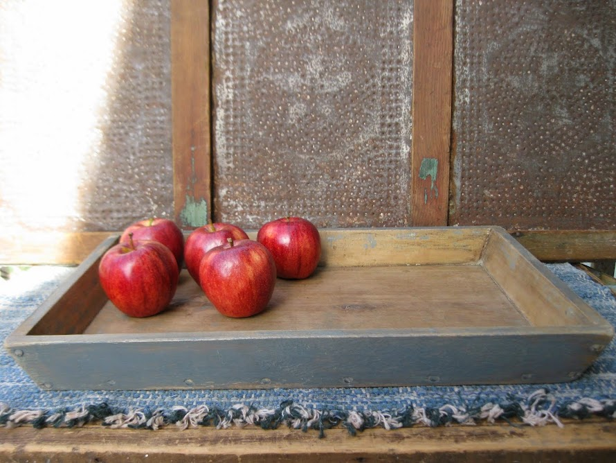old apple tray