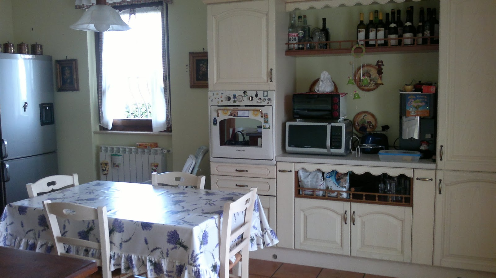 Amaranta la mia cucina for Mantovane per tende da cucina
