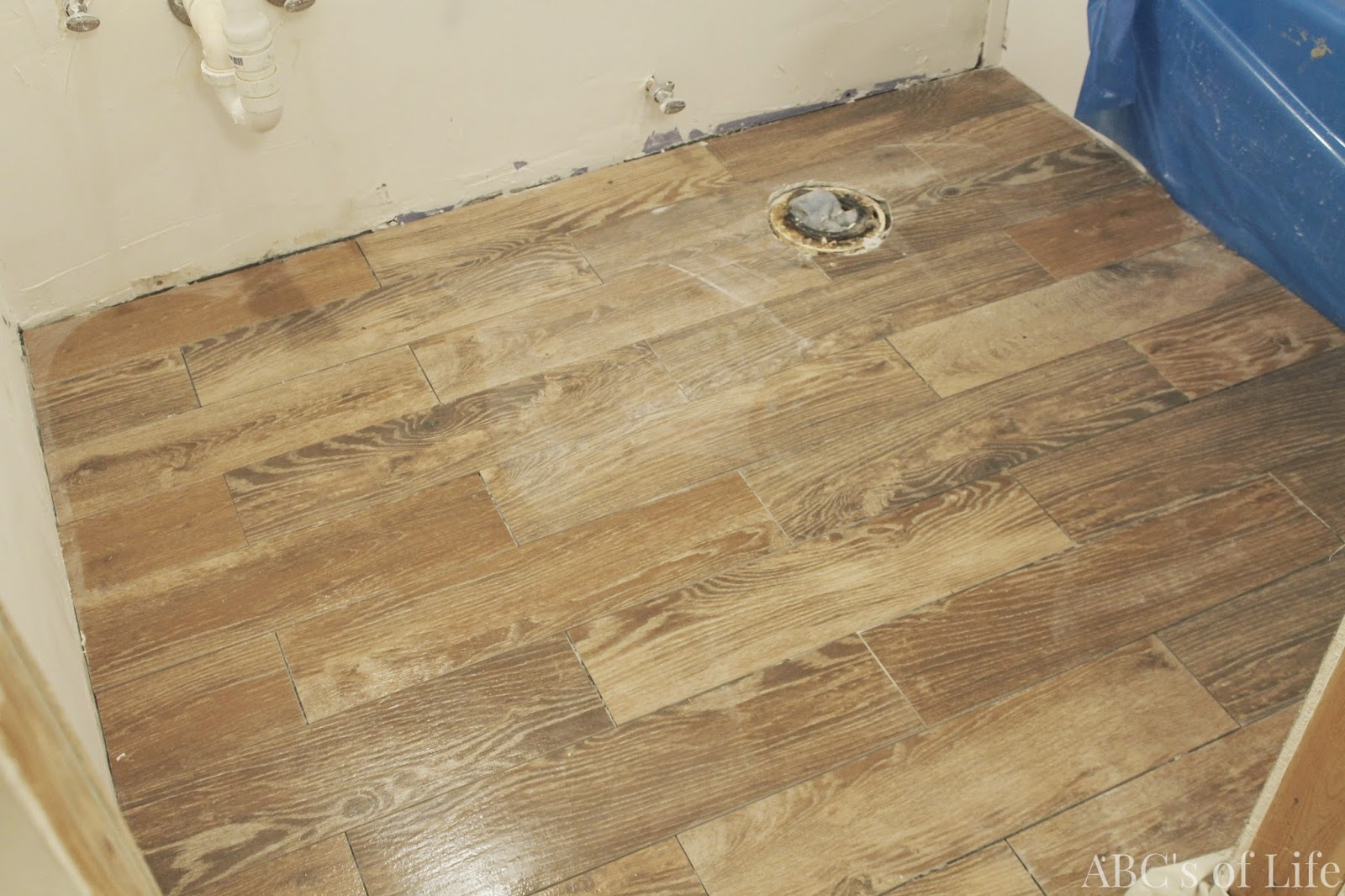 How to clean bathroom tile floor grout wood floors for How to clean bathroom tile floor grout