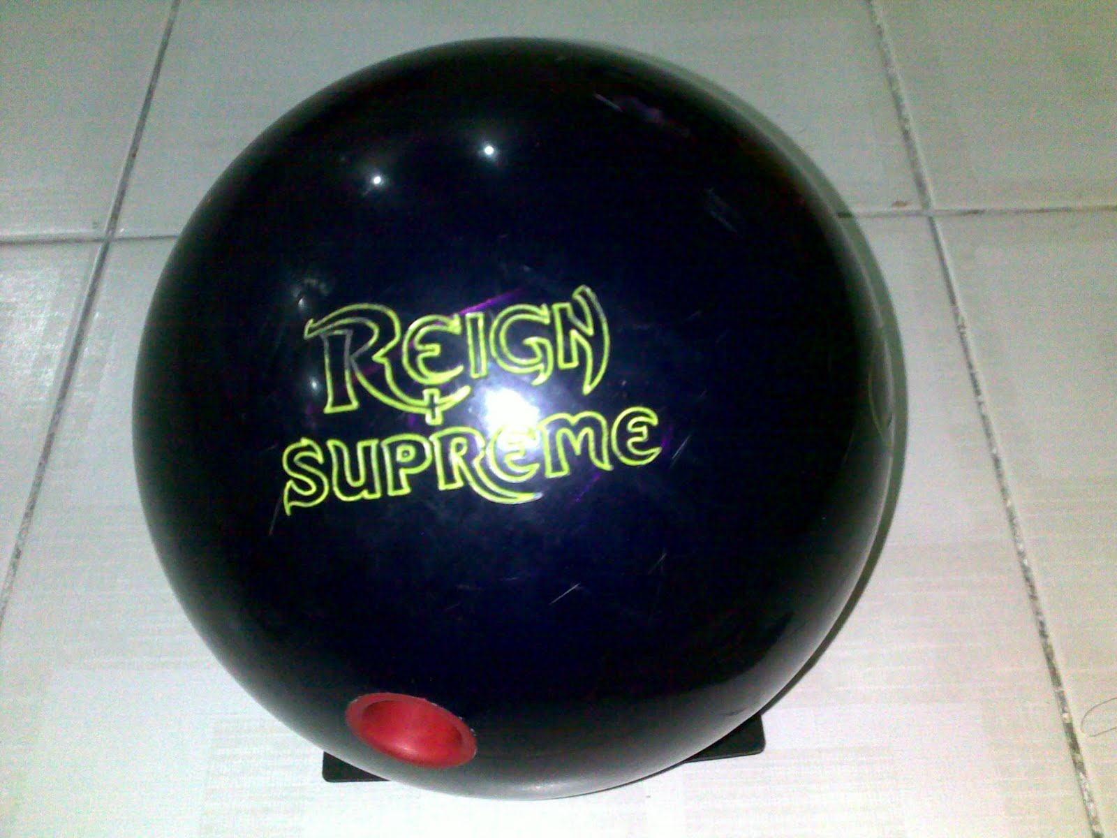 Performance Storm Reign Supreme Bowling Balls 14 Lbs