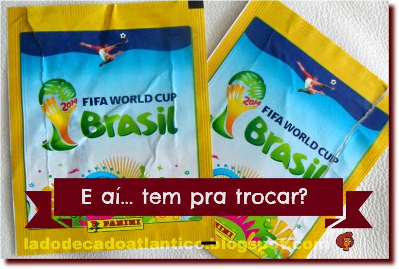 Imagem de dois envelopes que continham figurinhas (cromos) comemorativas da Copa do Mundo do Brasil 2014
