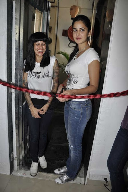 Katrina Kaif in T-Shirt Jeans