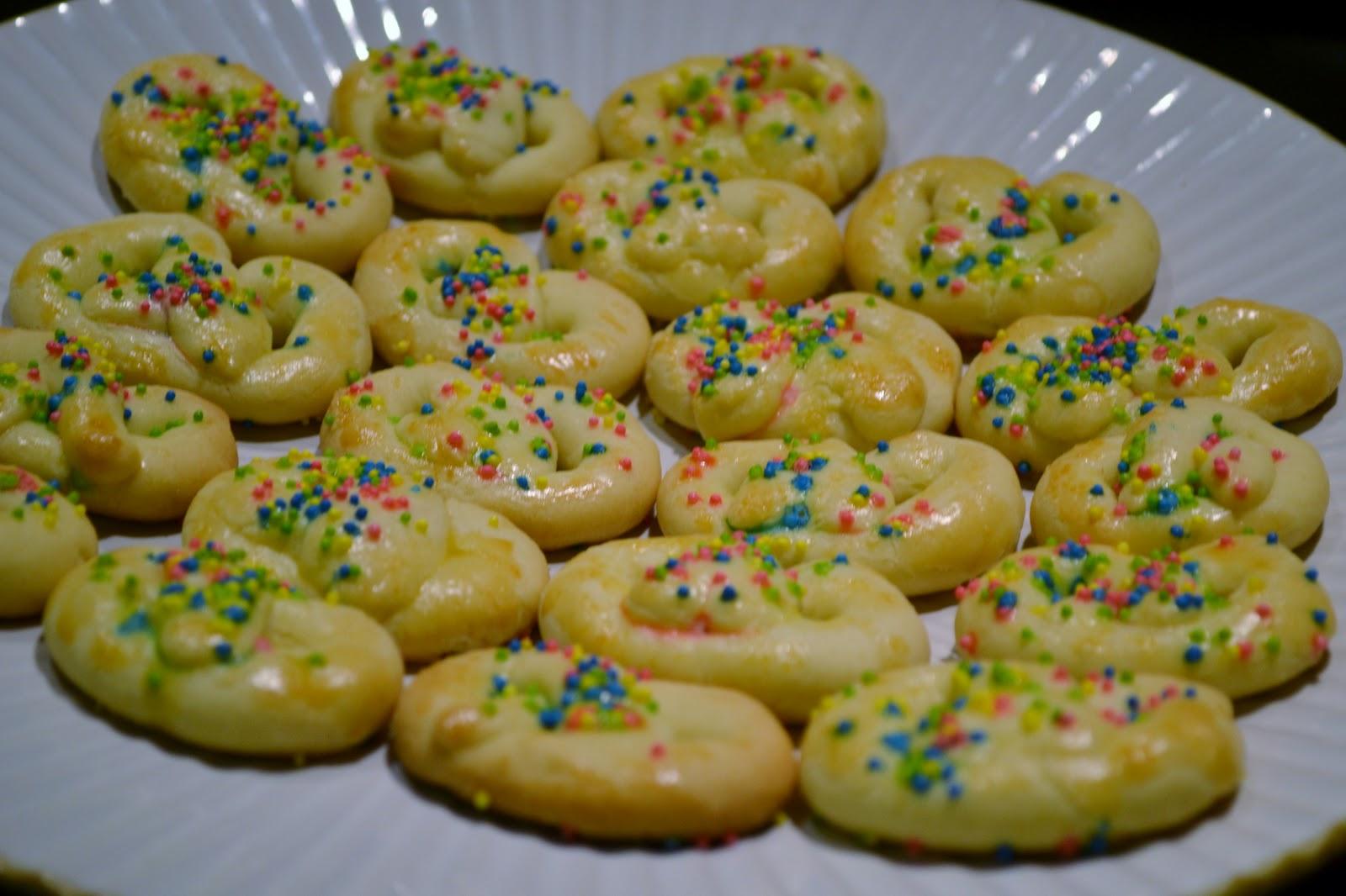 Polish pretzel butter cookies jersey girl cooks polish pretzel butter cookies forumfinder Images