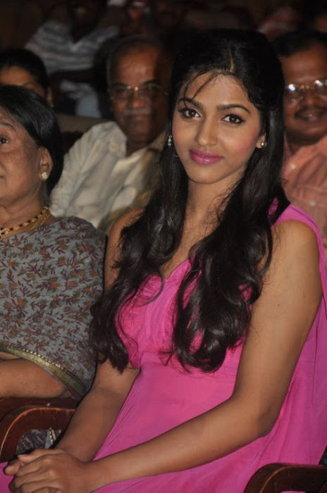 dhansika at benze vaction awards glamour  images