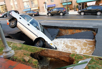 massive sinkholes around the world 13 Massive sinkholes around the world