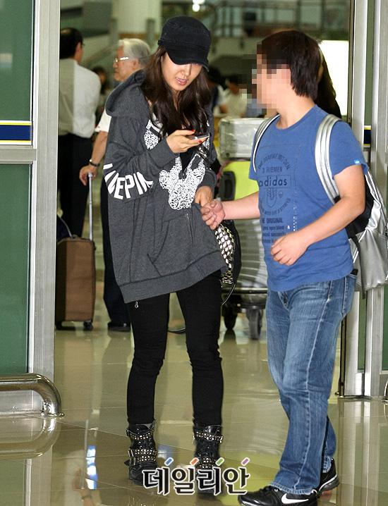 SNSD estão de volta do SMTown Tokyo no Japão Snsd+airport+pictures+%25285%2529