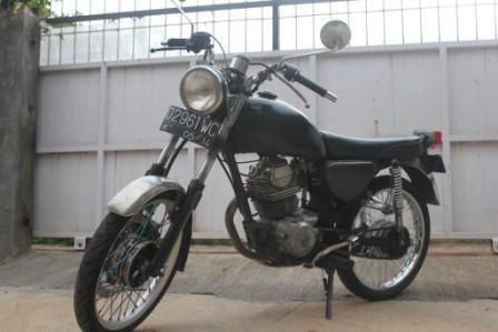 harga rp 3 500 000 type motor honda cb tahun pembuatan 1985 kapasitas