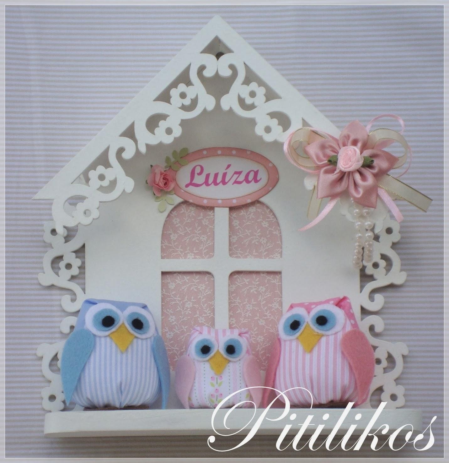 http://www.pitilikos.com.br/porta-maternidade-casa-corujinha-familia-menina.html