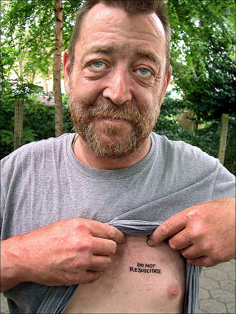 gamle mennesker med tatoveringer