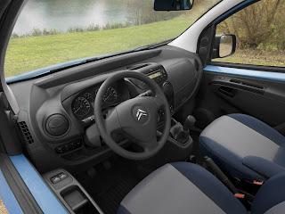 Citroen Nemo (aka Peugeot Bipper aka Fiat Fiorino)