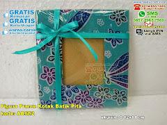 Figura Frame Kotak Batik Pita