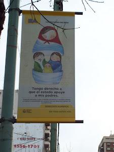 banner en la vía pública- derechos del niño